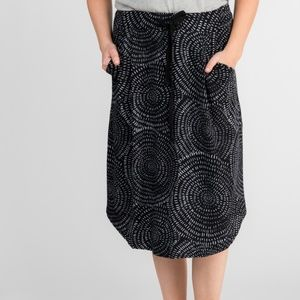 Essential Midi Skirt - Textured Circles B&W